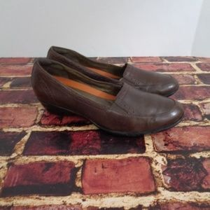 Clarks Shoes - Clarks Structured Womans Brown Loafers 9.5 M